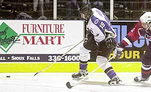 Thomas Vanek is tearing up the USHL, and looks to make a big impact with the Minnesota Gophers next season. (photos by Dave Eggen/Inertia Pro Event Imaging)