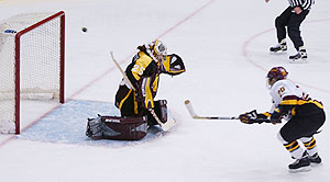With Natalie Darwitz back, the Gophers may see more of this against UMD this weekend.