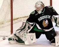 Freshman Lamoureux rotated in goal with Parise for most of the season (photo: John Dahl, Siouxsports.com)