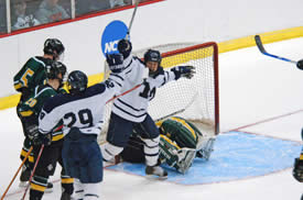 John Sales (29) scores just after a power play ends to give Middlebury a 2-0 lead. (photos: Angelo Lisuzzo)