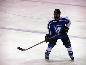 Mike Parks scored a pair of goals in a 6-1 win by Finlandia over MSOE.