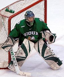 If North Dakota is to win the Final Five this weekend, Philippe Lamoureux's contribution will be key (photo: John Dahl, SiouxSports.com).