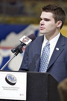Will Bruce of Williams College addresses the crowd at the Pepsi Center in Denver after being named the 2008 Hockey Humanitarian Award recipient (photo: Jim Rosvold.)
