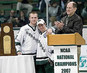 Rick Comley, with Chris Lawrence (l.) and Jeff Lerg, is after another national title for his Spartans (photo: Robert Hendricks).