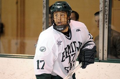 Matt Francis helped Bemidji State to a split with Niagara in a battle of the CHA's top teams (photo: BSU photo services).