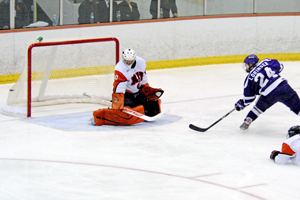 Lorinser scores short-handed. Photo by Angelo Lisuzzo