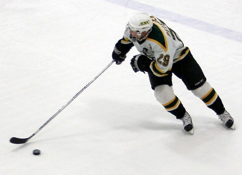 St. Norbert hopes to draw on the playoff experience of senior captain Ryan Petersen and a host of others to make another run at the NCAA tournament and defend their national championship.