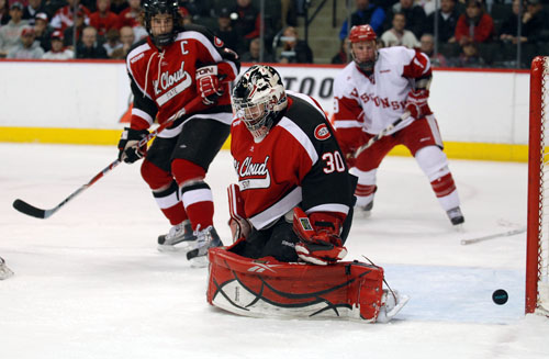 St. Cloud State goaltender Mike Lee made 37 saves Friday, but he also got help from the post late (photo: Tim Brule).