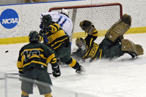 Todd Sheridan makes one of his spectacular saves for Brockport. Photo by Angelo Lisuzzo.