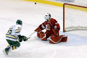 Ryan Williams stops a penalty shot (photo: Angelo Lisuzzo).
