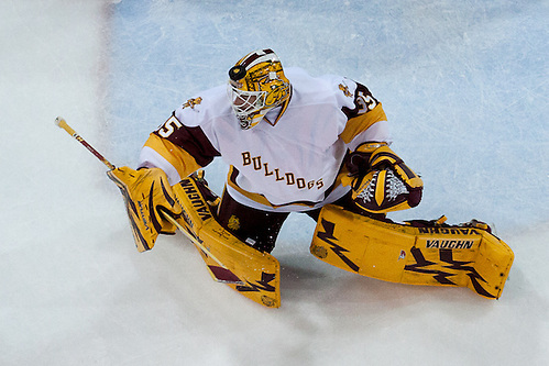 01 Oct 16:  The University of Minnesota Duluth Bulldogs host the Michigan Technological University Huskies in a non-conference matchup at Amsoil Arena in Duluth, MN. (Jim Rosvold/USCHO.com)