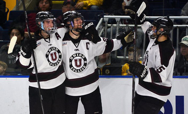 No. 1 Union beat No. 4 Vermont, 5-2, Friday at Webster Bank Arena in the NCAA East Regional semifinals. (Matt Eisenberg)