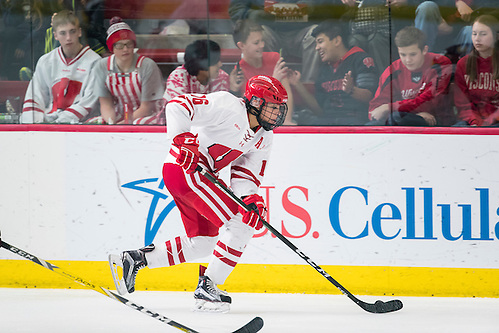 Wisconsin Badgers Sarah Nurse (16) handles the puck during an NCAA women's hockey game game against the Minnesota Duluth Bulldogs Sunday, February 12, 2017, in Madison, Wis. The Badgers won 8-0. (Photo by David Stluka) (David Stluka/David Stluka David Stluka)